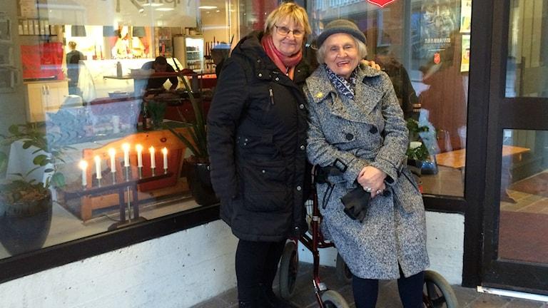 Kaja Johansson och Viola Lindgren. Foto: Melissa Gustafsson/SR