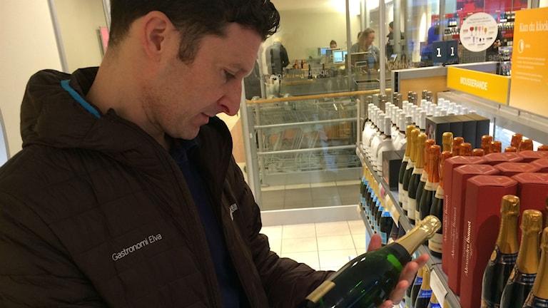 Jonas Nelson, vinexpert. Foto: Markus Alfredsson/SR