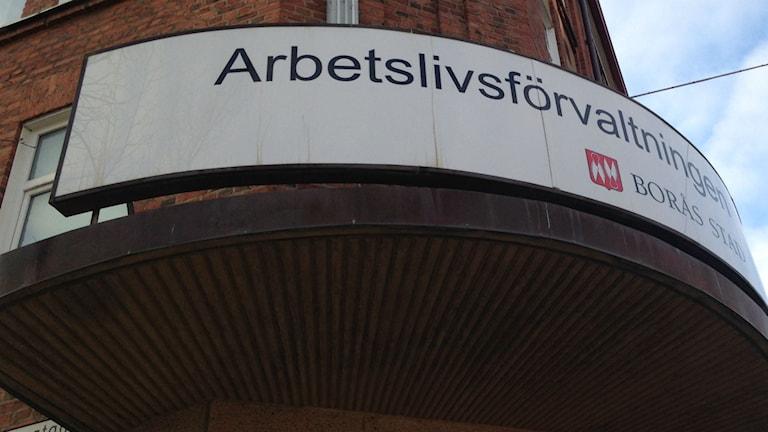 BREC ligger på Arbetslivsförvaltningens bord i Borås. FOTO Eric Porali