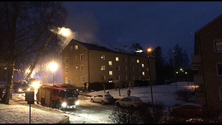 Vindsbrand i Borås. Foto: Niclas Odengård / SR.
