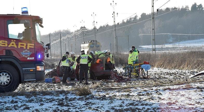 Bil påkörd av tåg Foto: Joakim Eriksson/Agena Foto