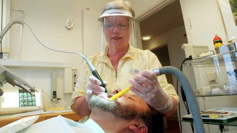 Tandsköterska med patient, arkivbild Foto: Fredrik Sandberg/TT