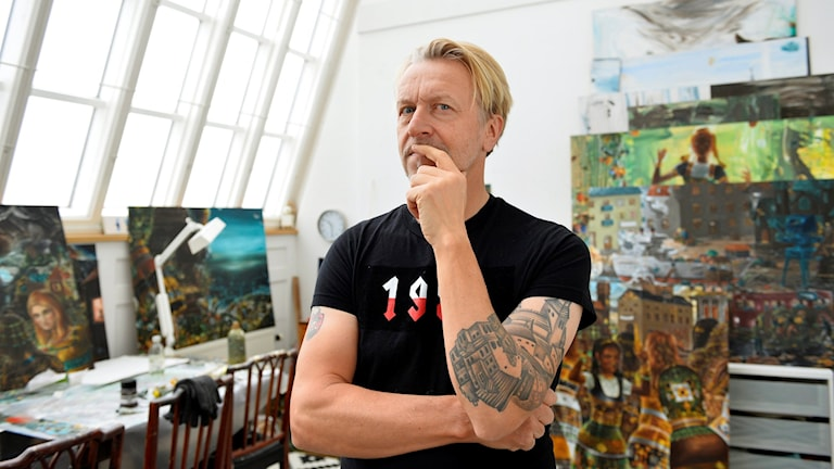 Ernst Billgren i sin studio