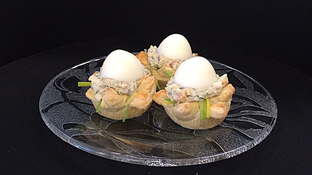 Ägg i smördegsbo