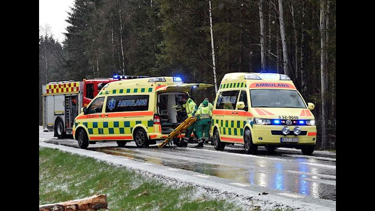 Det var halt på vägen där en bil körde av mellan Örby och Svenljunga.