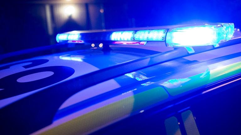 Blåljusen på en polisbil