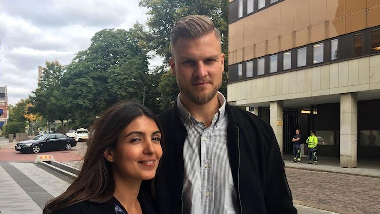Pantea Piravogi och Fabian Camling uppmärksammas av räddningstjänsten i Södra Älsvborg för sitt rådiga ingripande vid en drunkningsolycka.