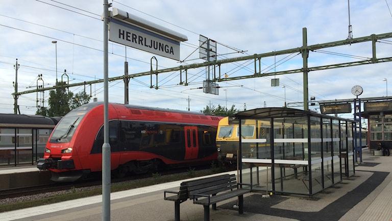 Tåg på stationen i Herrljunga