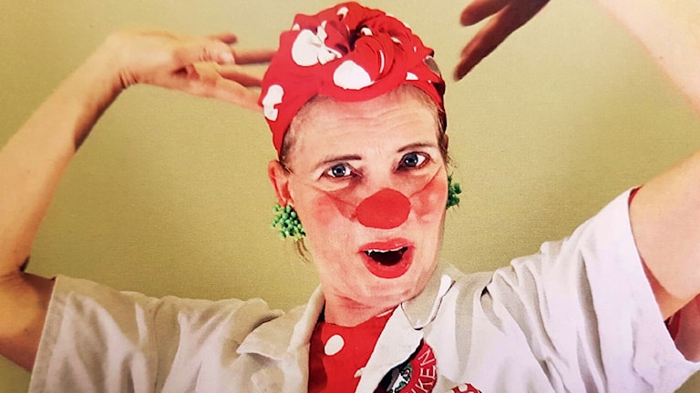 Maja Ringstad som clownen Loppa.