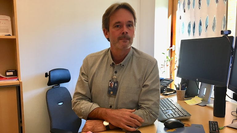 Peder Englund jobbar med visselblåsarfunktionen i Borås Stad.