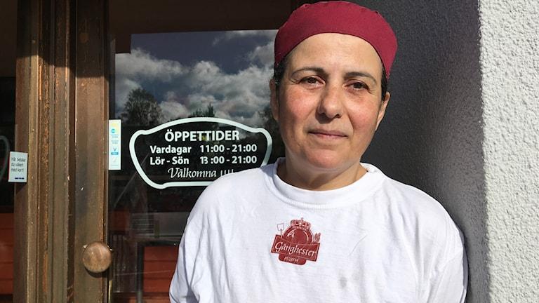 Marta Iwas driver pizzerian i Gånghester och blev hjälte när hon stoppade rånförsöket mot Icabutiken den 3 oktober.