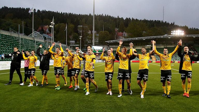 Elfsborg tackar publiken efter en match.