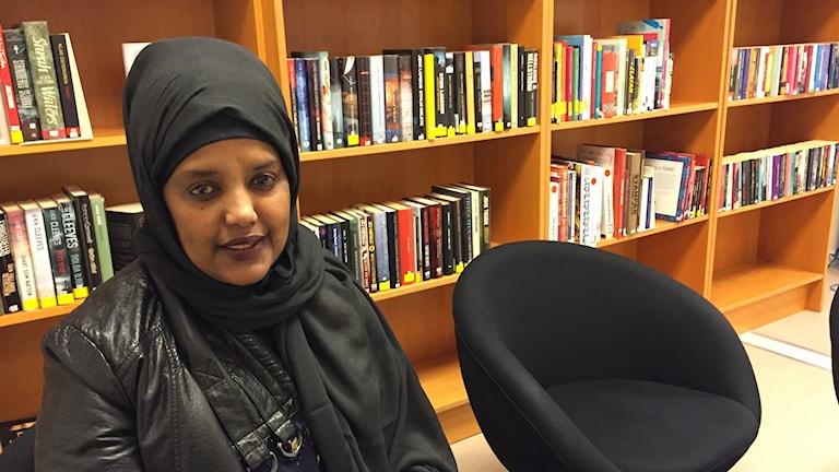 Ahlam Ali, undersköterska.