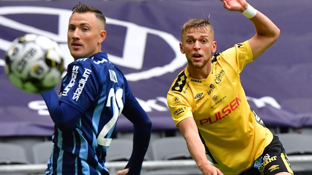 Djurgårdens Fredrik Ulvestad och Elfsborgs Jesper Karlsson.