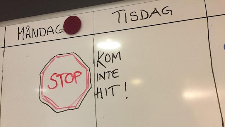 En elev i Borås har stängts av från skolan.