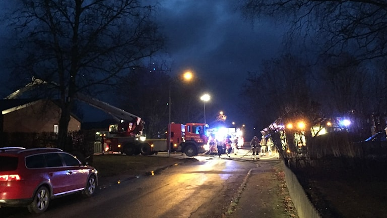 Brand i radhuslänga i Länghem.