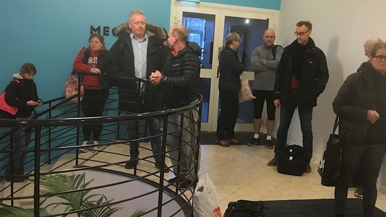 Kö av väntande till motionspassen på Friskis & svettis i Borås.