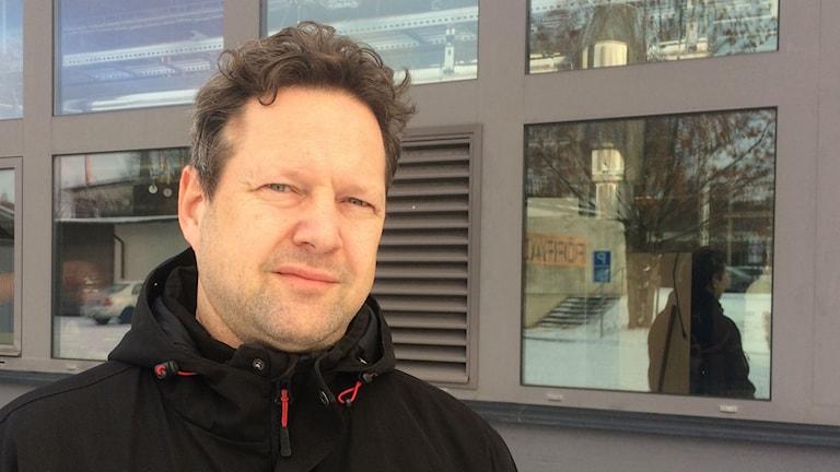 Niklas Herneryd var chef för det numera nedlagda HVB-hemmet i Mark. Foto: Markus Alfredsson/SR
