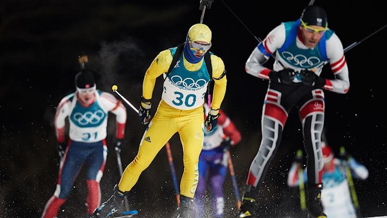 Sveriges Jesper Nelin vid jaktstart, 12.5 km i skidskytte på Alpensia Biathlon Centre under vinter-OS i Pyeongchang