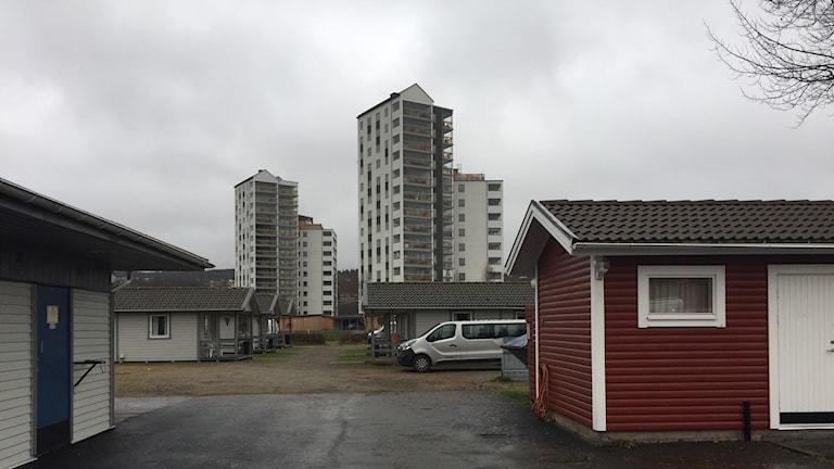 Granne med campingen ligger Ulricehamns nya bostadskomplex.