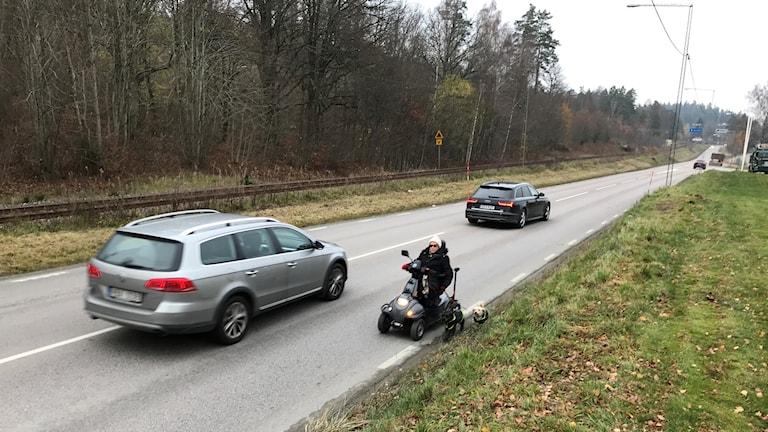 Irene Eriksson kör permobil i Borås