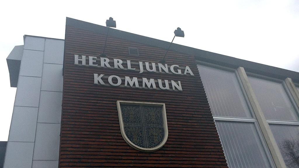 Herrljunga kommunhus. Foto: Mikael Olmås.