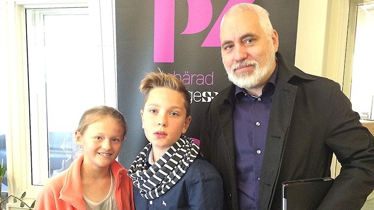 Ingrid Lengberg & Elias Eklund träffar politikern Petter Löberg(s)