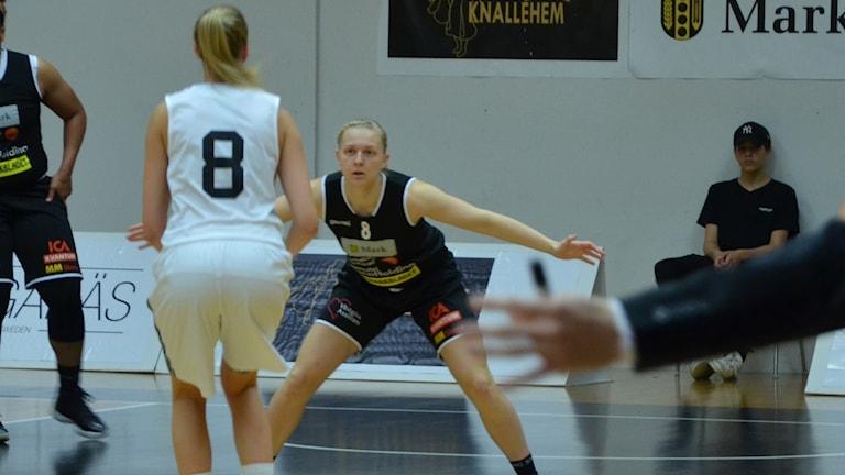 Linn Jerrhage, Mark Basket.