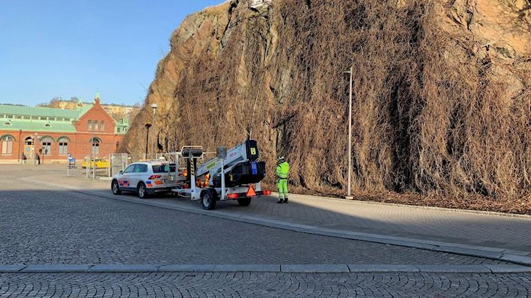 Geologer var under fredagen på plats för att undersöka Krokshallsberget i Borås.