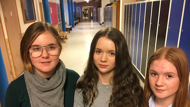 Carolina Skoog, Matilda Almgren och Sofia Börgesson går i åttan på Gullhögskolan.