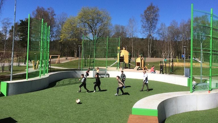 Rund fotbollsplan i Sjöboparken