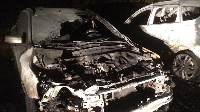 Fyra bilar förstördes i branden för två veckor sedan.