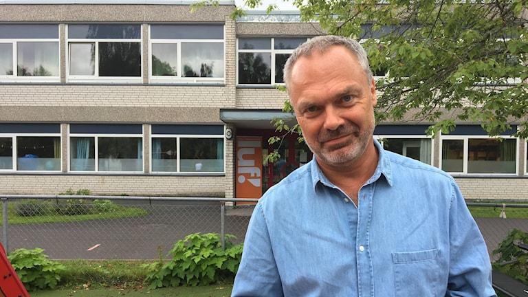 Jan Björklund i en blå skjorta.