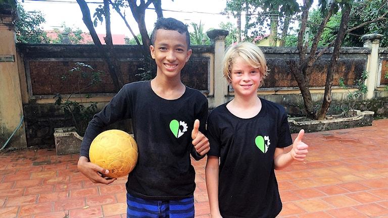 Albert Alperud och Low i Kambodja.