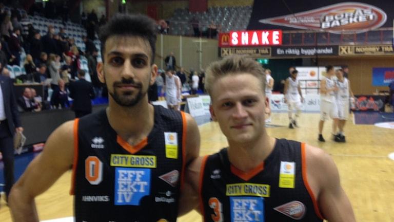 Johannes Hirdisah och Emil Lundstedt i Borås Basket