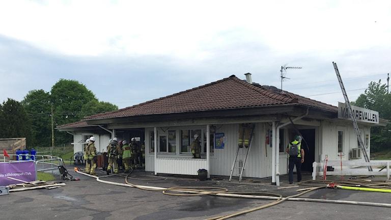 Vävarevallen brandskadad