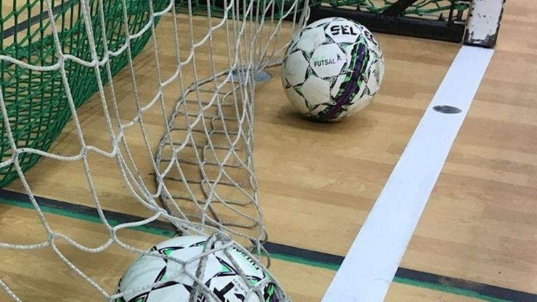 Bild på fotbollar.