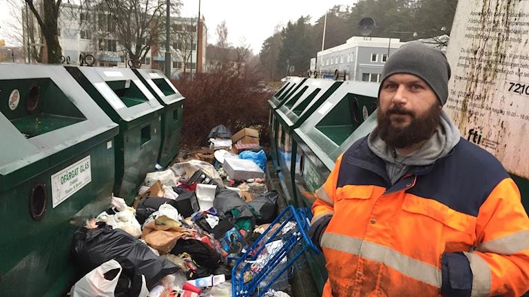 Robert Pinar, renhållningsarbetare på återvinningscentralen på Göta i Borås.