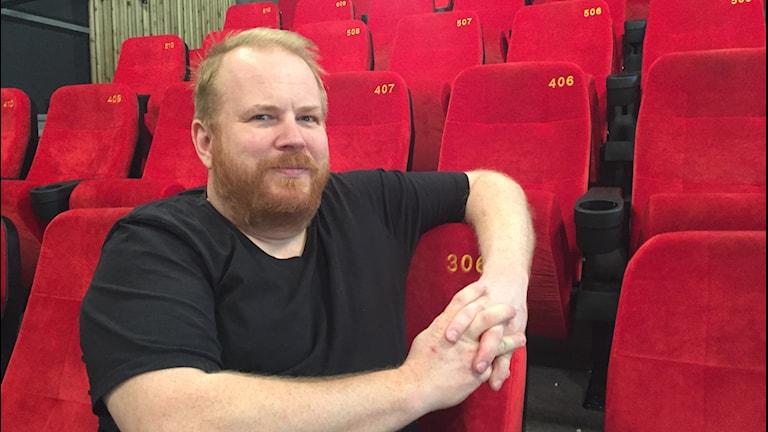 Per Aholainen driver Rialto bio i Vårgårda