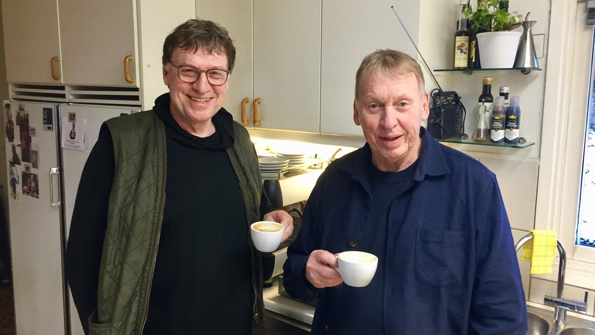 Bröderna von Brömssen - Anders och Tomas. Har rostat kaffe hemma i trettio år.