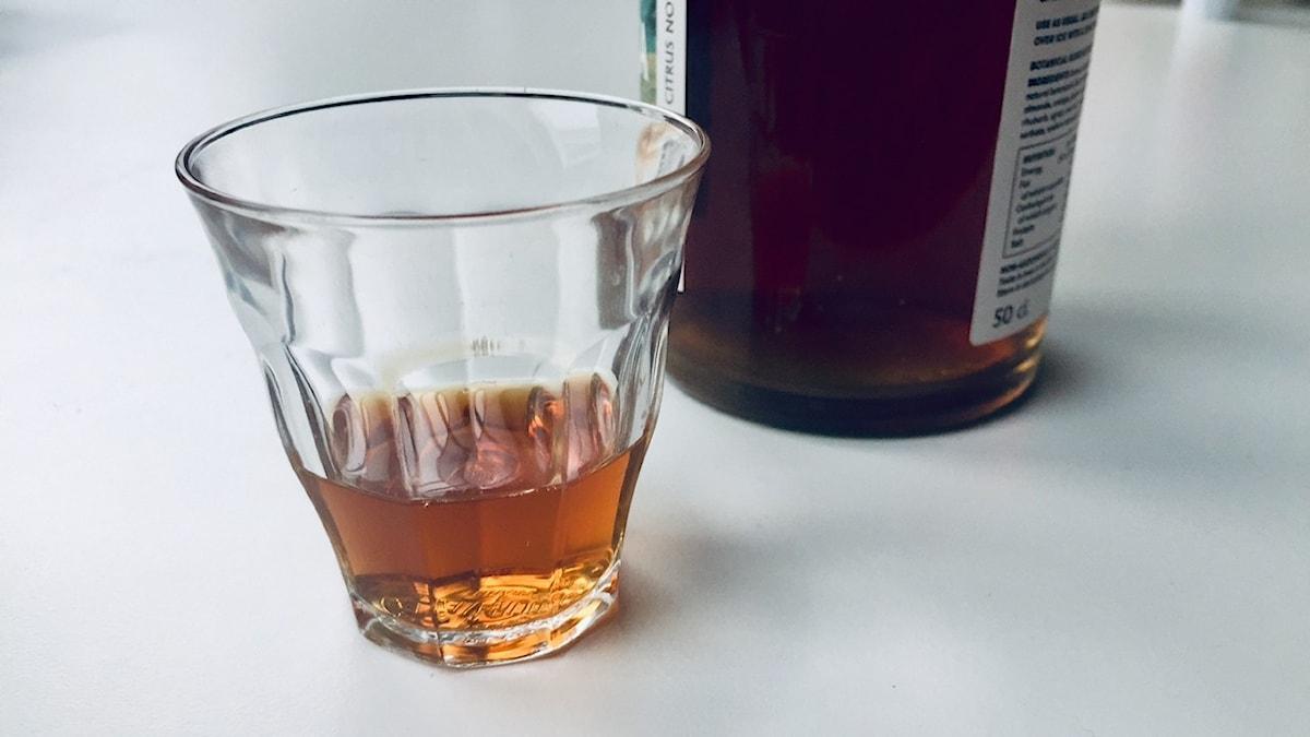 Det kallas alkoholfri sprit. Och kostar som vanlig sprit.