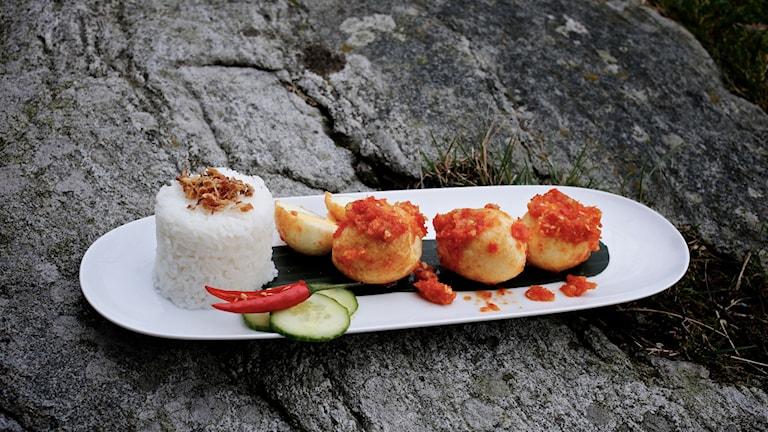 Friterat ägg med sambal Foto: Tomas Tengby / SR