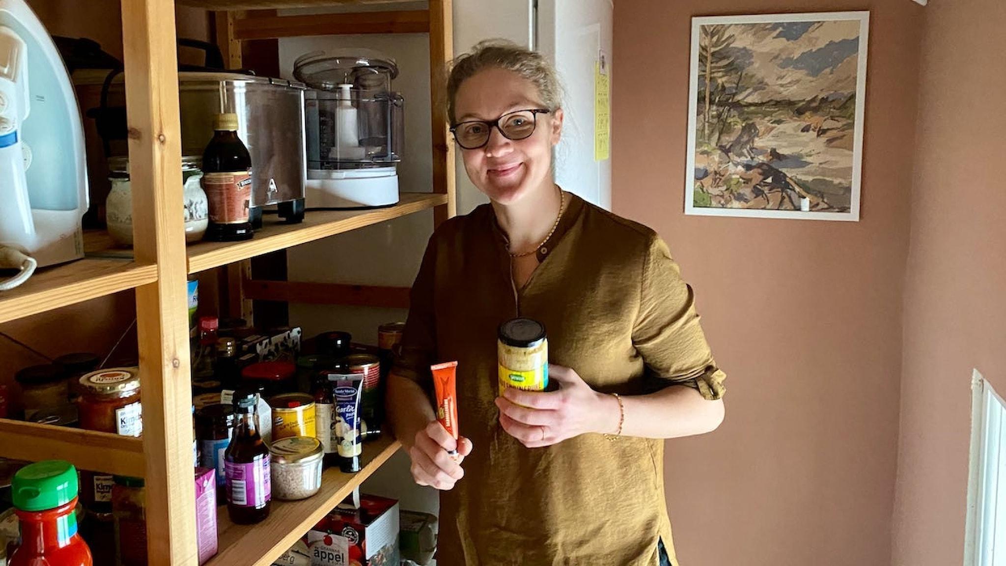 Jenny Damberg gillar konserver för att de förenklar vardagen - man har saker hemma! - och gör maten godare.