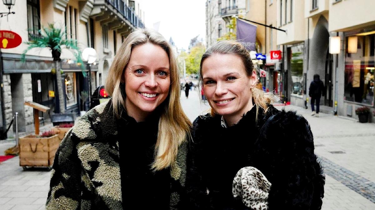 Barndomskompisarna Mia Clase och Lina Nertby bytte jobb och mat.
