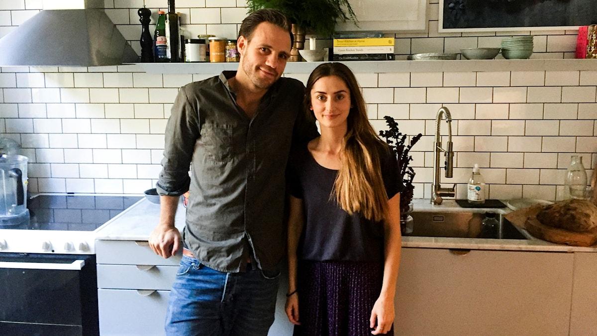 David Frenkiel och Luise Vindahl i sitt kök, centrum för allt.