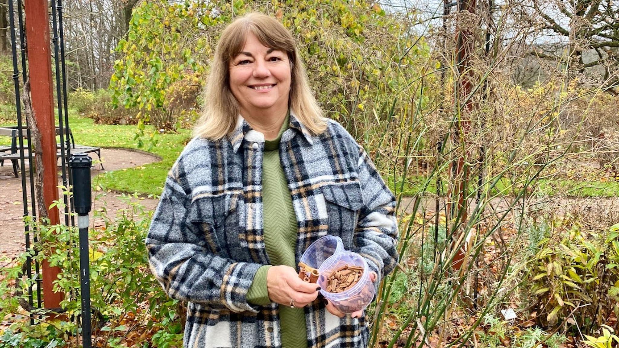 Branka Veljovic reser runt i världen och köper in kryddor från småodlare.