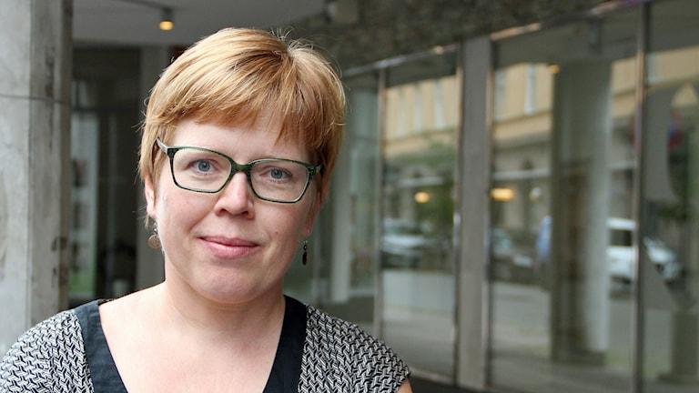 Anna W Gustafsson, språkforskare i Lund som bland annat studerat klyftan mellan yngres och äldres språk. Foto: Hans Zillén/Sveriges Radio.
