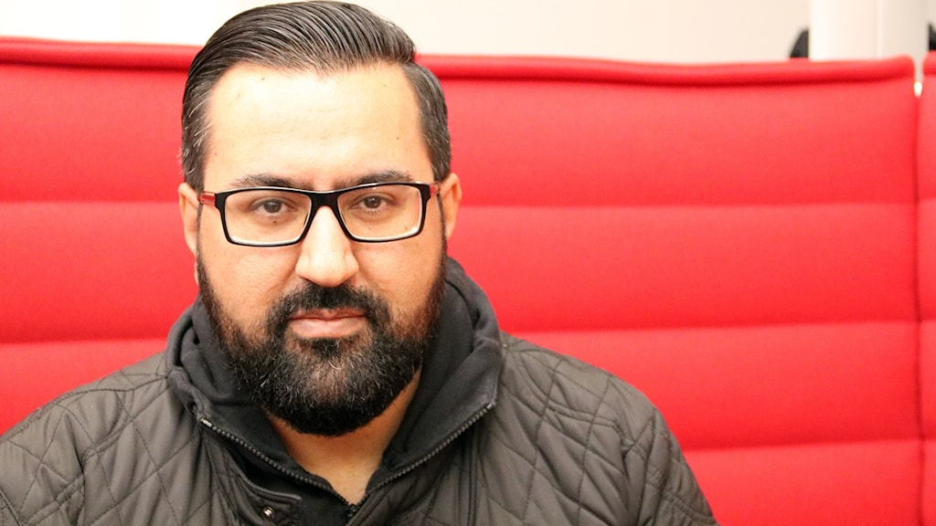 Rafi Farouq, ansvarig på Flamman Ungdomens Hus i Malmö som startar nationellt projekt för att motverka ungas spelberoende. Foto: Hans Zillén/Sveriges Radio.