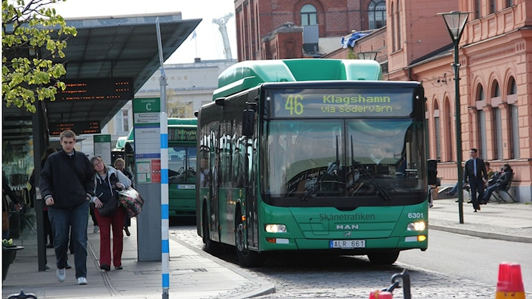 Stadsbuss vid Malmö C. foto: Karin Genrup/Sveriges Radio