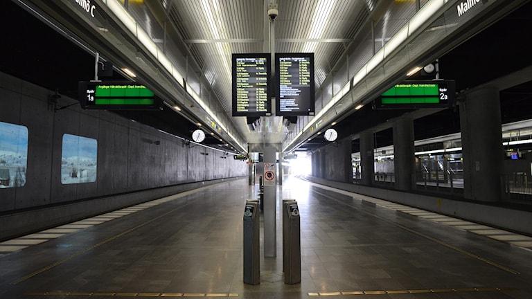 Öde på perrongerna där Öresundstågen går från Malmö C.